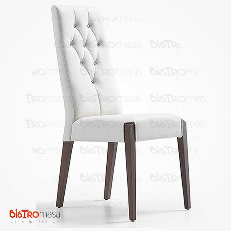 Beyaz kapitone sandalye
