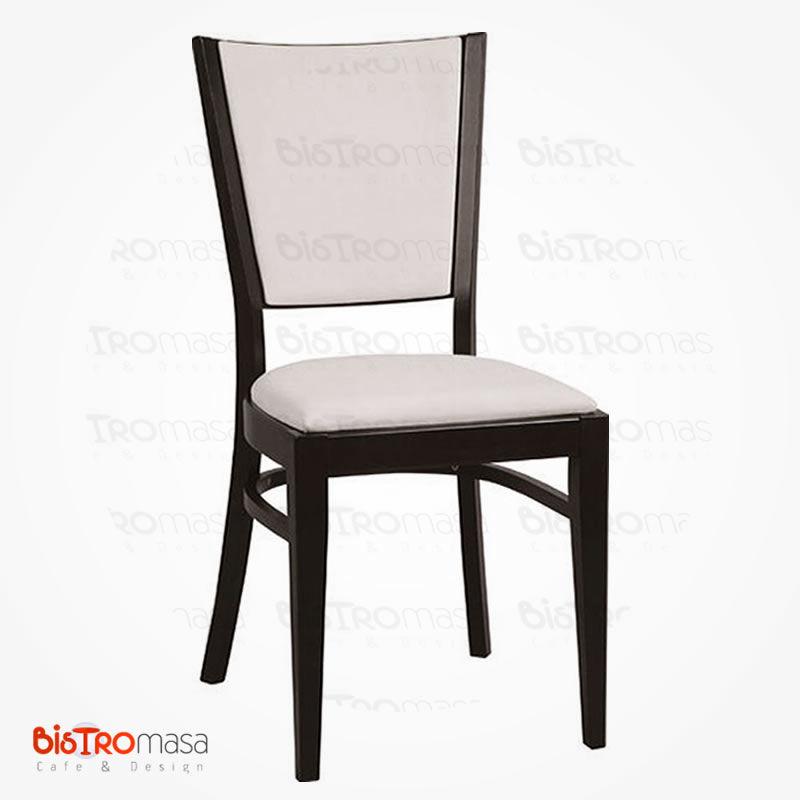 Beyaz ahşap sandalye