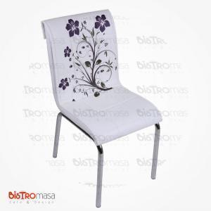 Beyaz lila çiçekli petli sandalye