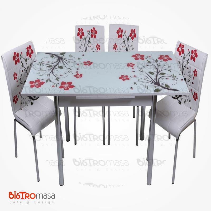 Kırmızı yapraklı mutfak masası açık hali