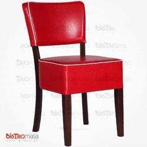 Kırmızı beyaz ahşap sandalye