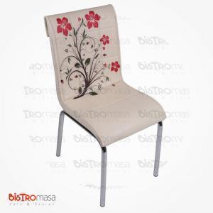Krem kırmızı çiçekli petli sandalye