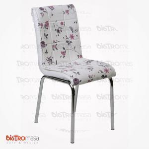 Lila çiçekli petli sandalye