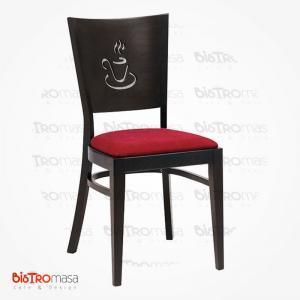 İşlemeli ahşap sandalye