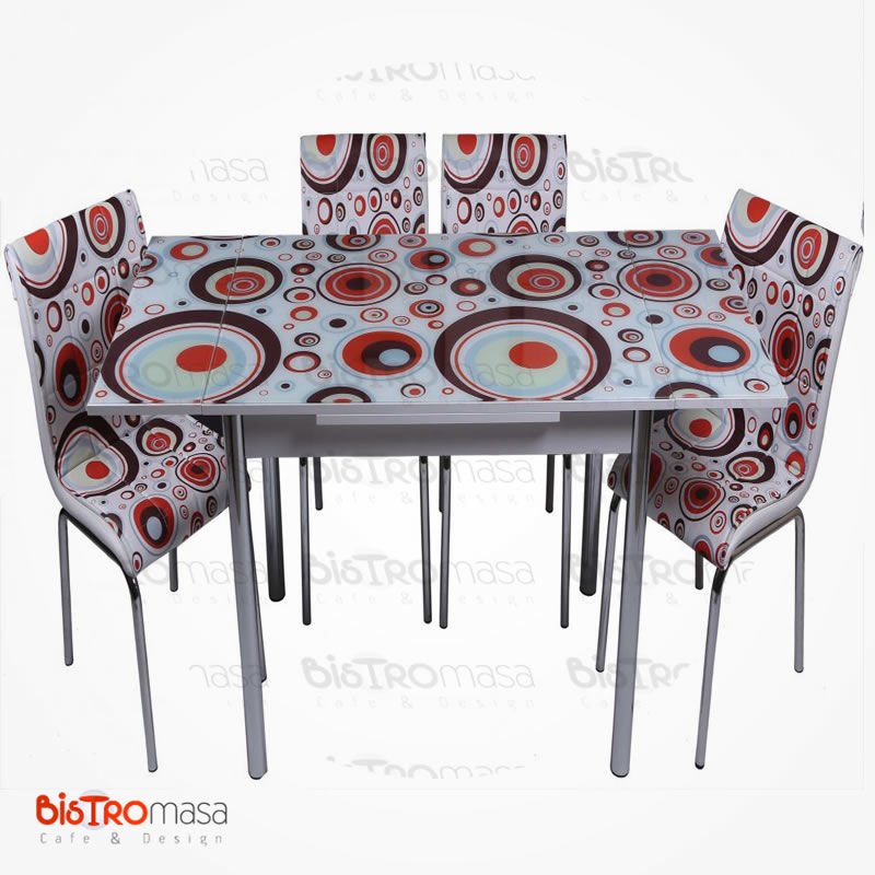 Geometri desenli mutfak masası açık hali