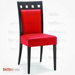 Kırmızı renk ahşap sandalye