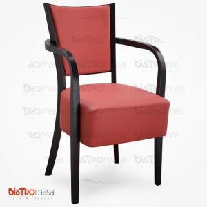 Bordo kollu ahşap sandalye