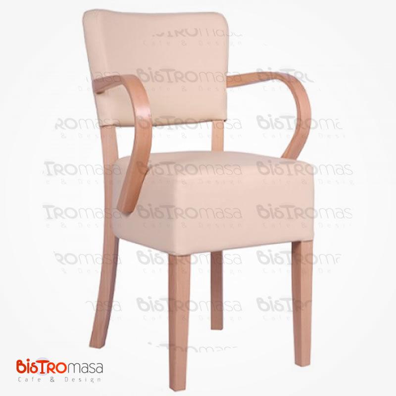 Krem kollu ahşap sandalye