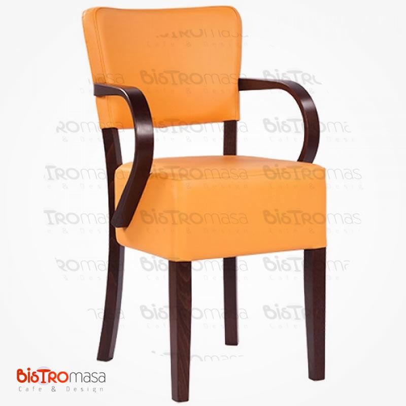 Turuncu renk ahşap sandalye