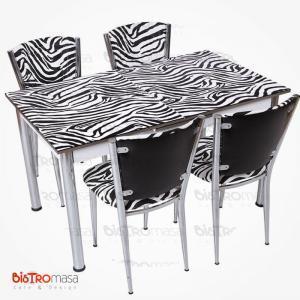 Zebra desenli açılır mutfak masası